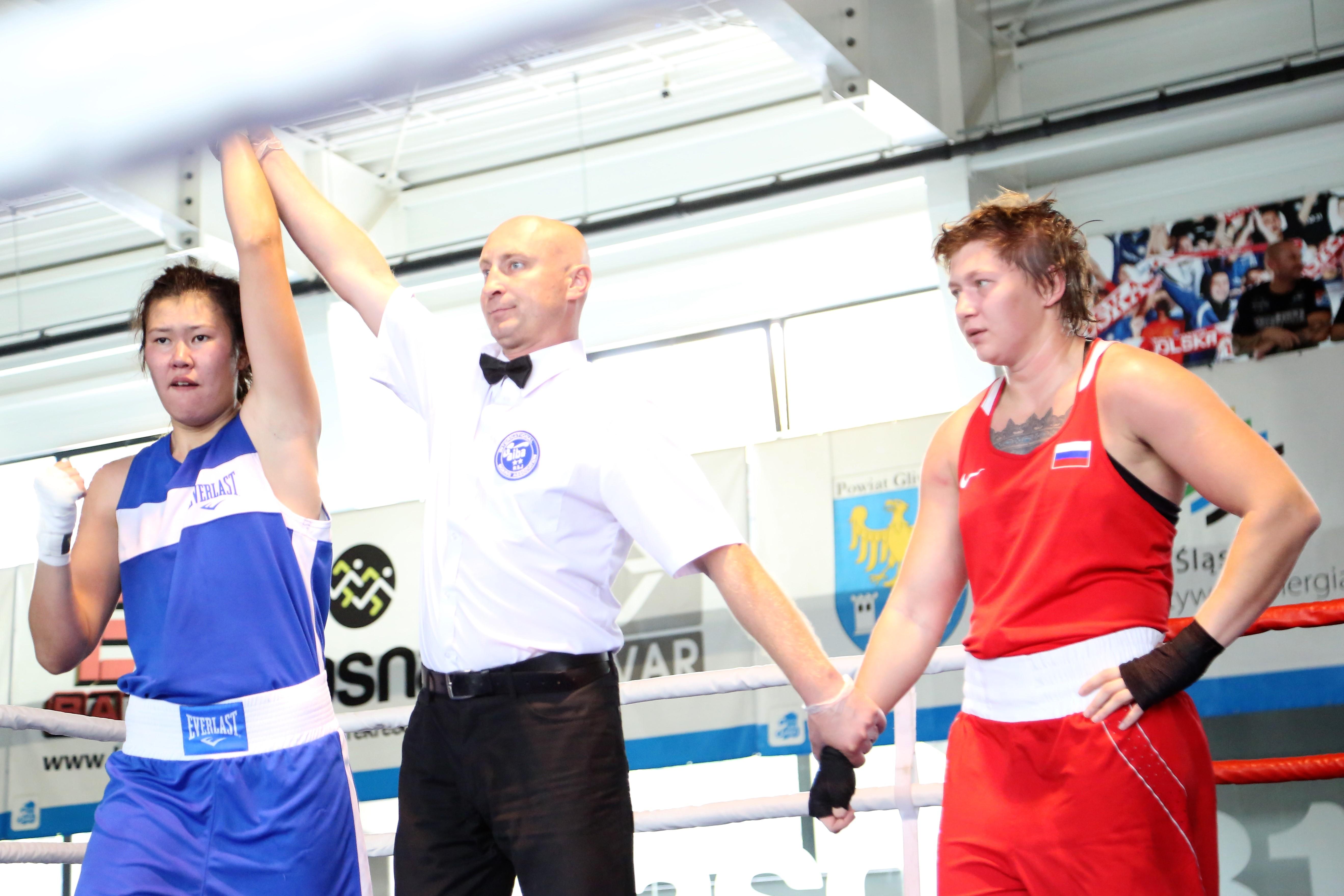 Международный женский турнир по боксу в Силезии: Айгерим Касенаева, Жайна Шекербекова и Ляззат Кунгейбаева в финале