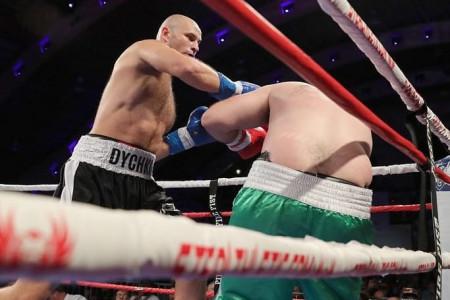 Дважды бронзовый призёр ОИ Иван Дычко одержал очередную победу на профессиональном ринге