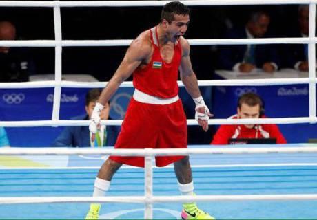 Олимпиаданың финалында Елеусіновтен жеңілген өзбек боксшысы кәсіпқой боксқа ауысты