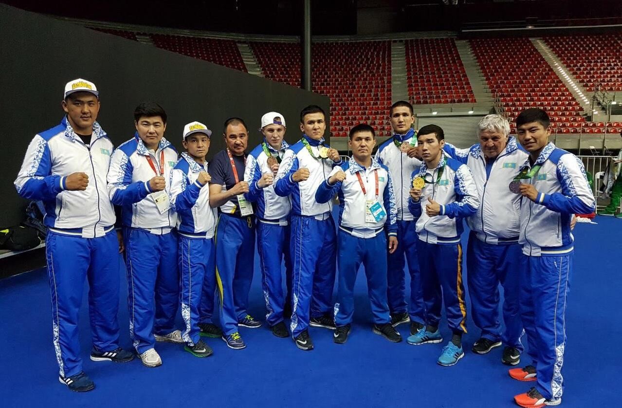 Казахстанские боксёры выиграли два золота Исламиады