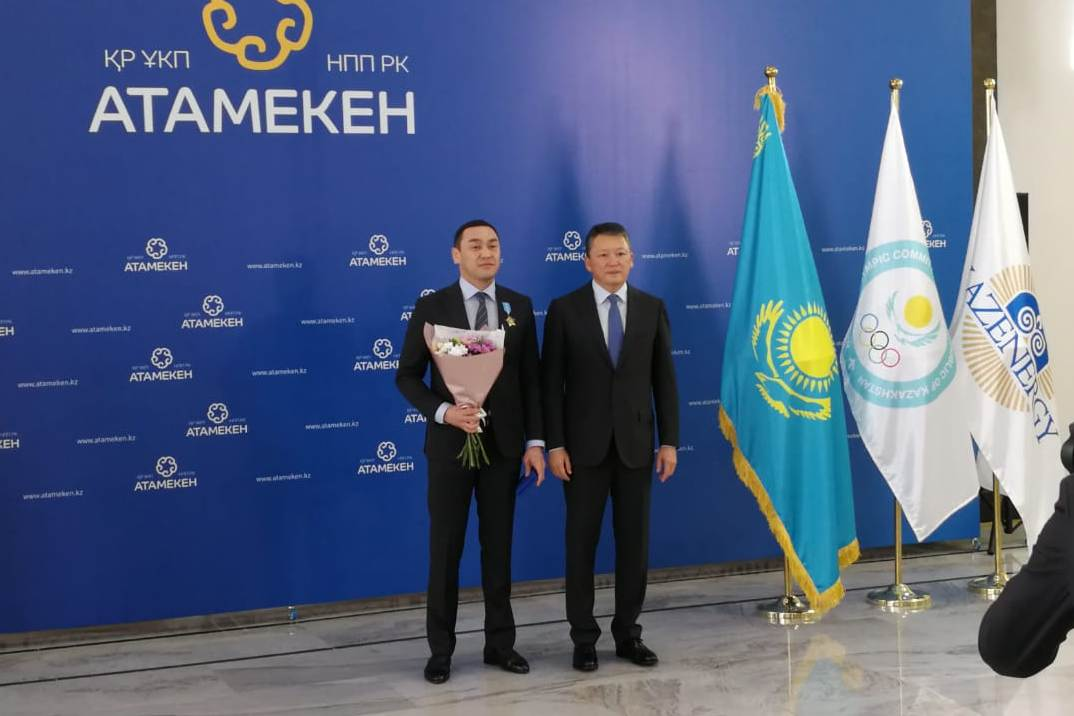 Президент наградил орденом «Құрмет» президента областной Туркестанской и Шымкентской городской федерации бокса Аскара Турысбекова