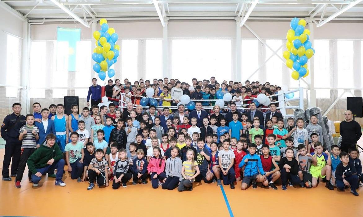 Казахстанская федерация бокса подарила комплексу имени Головкина олимпийский ринг (+ фото)