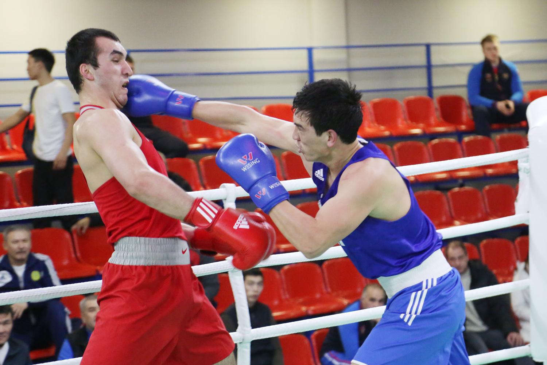Фоторепортаж: Как казахстанцы боксировали с россиянами