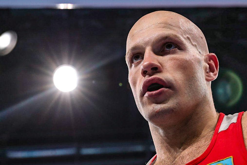 Василий Левит бірінші жекпе-жегінде бразилиялық боксшыдан басым болды