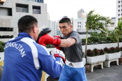 Сборная Казахстана по боксу провела первую тренировку в Таиланде