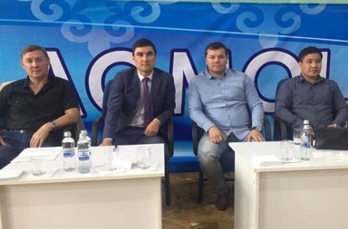 Серик Сапиев посетил Международный турнир по боксу