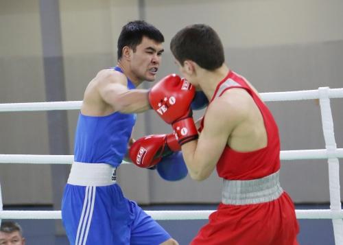 Боксеры сборной Казахстана упустили победу во встрече с Россией