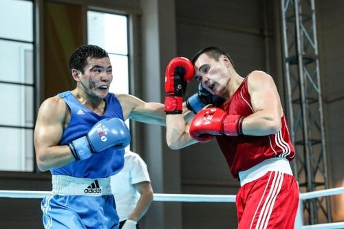Трое казахстанцев вышли в полуфинал турнира в Софии