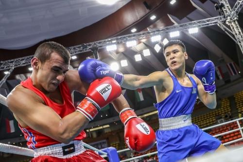 Шестеро казахстанцев вышли в четвертьфинал чемпионата Азии