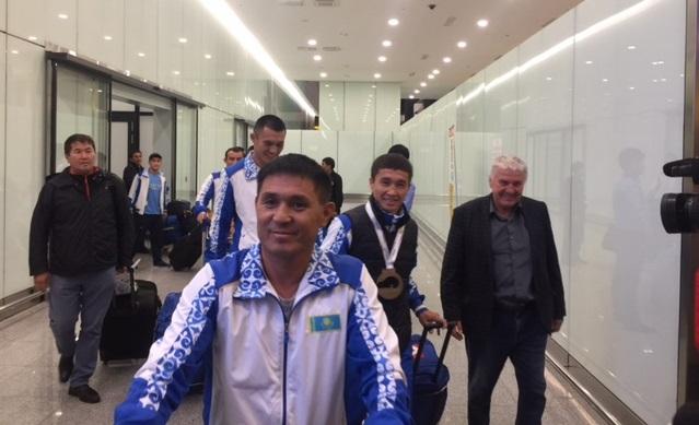 Боксёры вернулись с чемпионата мира