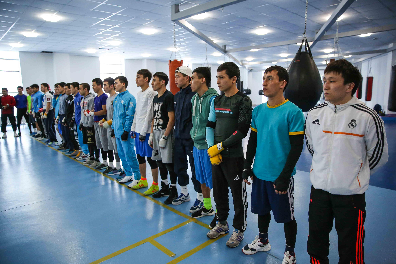 Видео: қазақ боксшылары неміс жерінде әнұран орындауда