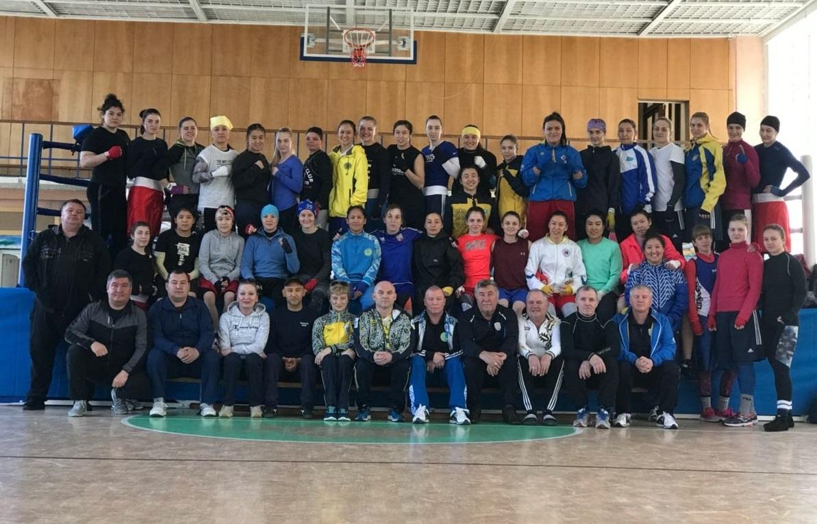 Женская сборная Казахстана проводит УТС на Украине