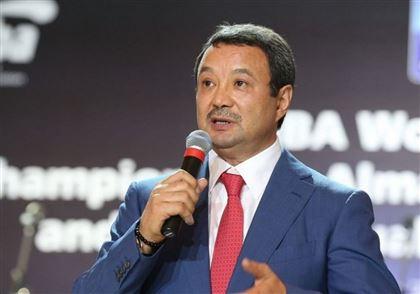 Серик Конакбаев благодарит своих сторонников на выборах президента AIBA